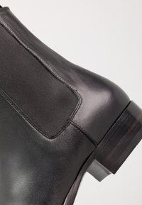 sandro - CHELSEA - Classic ankle boots - black - 5