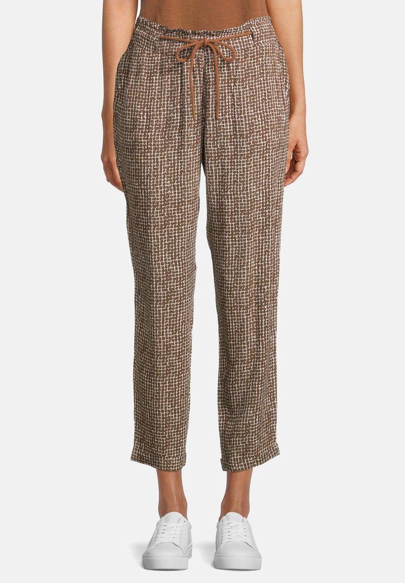 Betty & Co - Trousers - weiß/braun