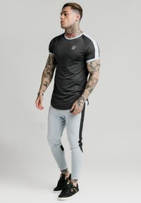 SIKSILK - EYELET - Print T-shirt - charcoal grey - 3