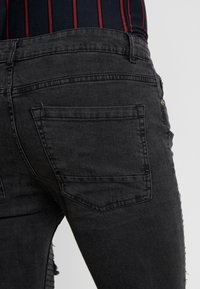 Brave Soul - NEVADA - Jeans Skinny Fit - grey wash/red paisley - 3