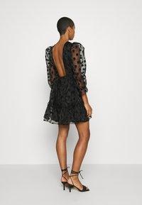 By Malina - JUDY DRESS - Vestido de cóctel - black - 2