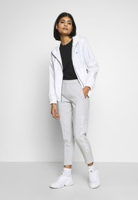 Calvin Klein Jeans - LARGE LOGO HOODED ZIP THROUGH - Summer jacket - bright white - 1