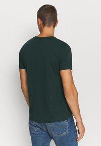 GANT - ORIGINAL - Jednoduché triko - tartan green - 2