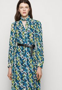 MICHAEL Michael Kors - FLORAL KATE  - Shirt dress - limeade - 3