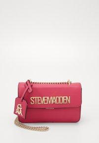 Steve Madden - BSTAKES - Across body bag - pink - 0