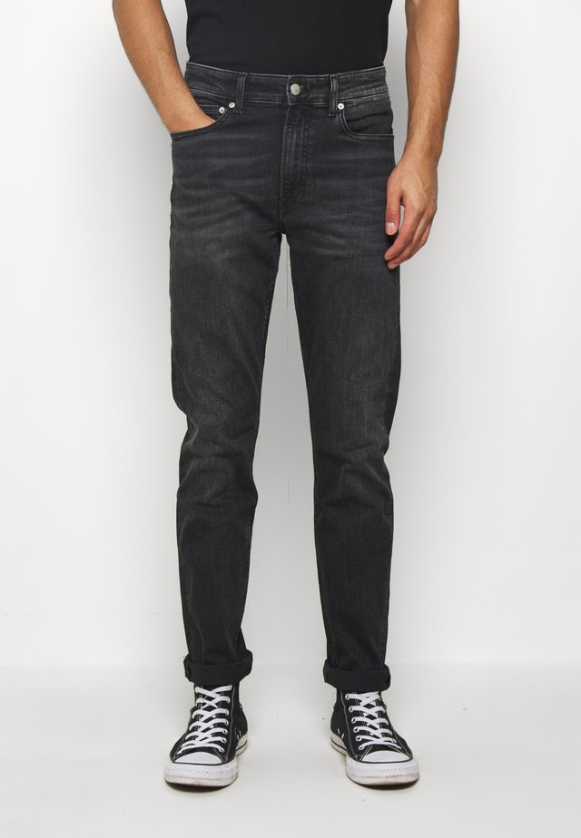 SLIM TAPER - Džíny Slim Fit - washed black