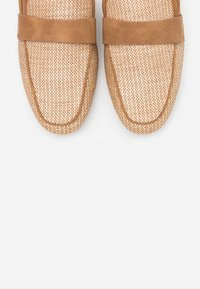 Call it Spring - BETTY - Mules - beige - 5