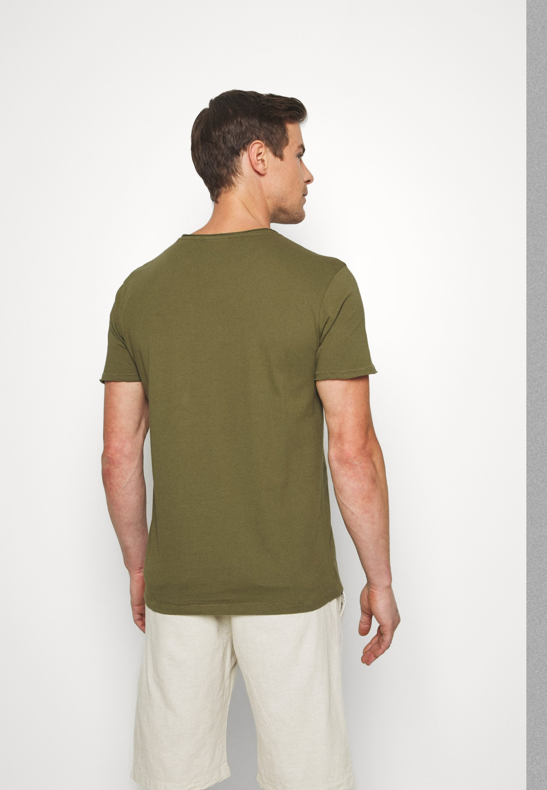 Lindbergh WASHED TEE - Basic T-shirt - army QEUJO