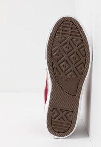 Converse - PRO BLAZE STRAP EMBROIDERED - Zapatillas altas - team red/laser orange/white - 4