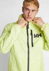 Helly Hansen - BELFAST PACKABLE JACKET - Impermeable - sunny lime - 5