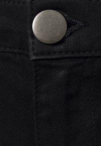 JUNAROSE - by VERO MODA - JRFOURQUEENNORA - Slim fit jeans - black - 2