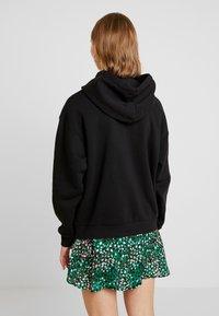 Monki - ODA URGENT - Jersey con capucha -  black - 2