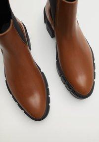 Mango - TRACTOR-I - Ankle boots - średni brązowy - 0