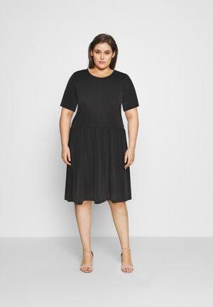 PCKAMALA DRESS - Jerseyklänning - black