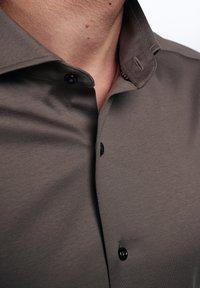Eterna - SLIM FIT - Formal shirt - taupe - 2