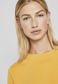 TOM TAILOR DENIM - COZY  - Sweatshirt - indian spice yellow - 3