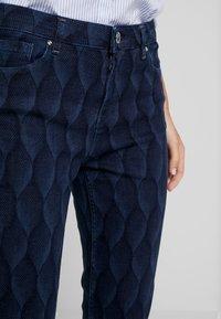 Yargici - PRINTED TROUSER - Slim fit jeans - dark indigo - 3