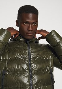 Peuterey - Winter jacket - olive - 4