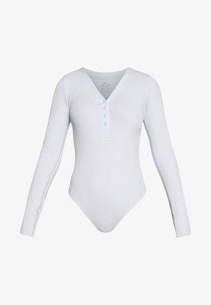 YOGA LUXE HENLEY BODYSUIT - Body deportivo - aura/platinum tint
