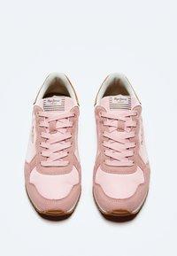 Pepe Jeans - ARCHIE BLOCK - Sneakersy niskie - rosa - 1