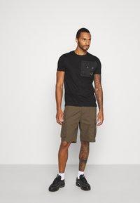 Brave Soul - Basic T-shirt - black - 1