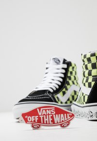 Vans - SK8 REISSUE - High-top trainers - black/sharp green - 5