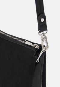 PARFOIS - CROSSBODY BAG SOPHIE - Handbag - black - 3