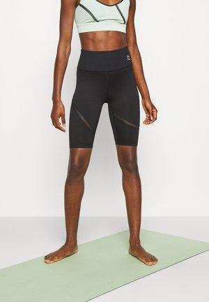 EXHALE CURVE BIKER - Leggings - black