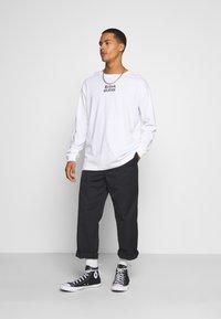 RETHINK Status - UNISEX REGULAR FIT - Print T-shirt - white - 1