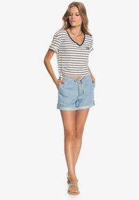 Roxy - Print T-shirt - snow white kuta stripes - 1