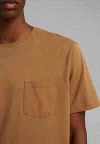 Esprit - Basic T-shirt - camel - 3