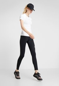 ODLO - CREW NECK ACTIVE SPINE LIGHT - Print T-shirt - white - 1