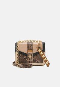 THEALLIA - Across body bag - brown black snake combo