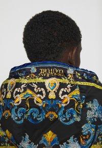 Versace Jeans Couture - CRINKLE  - Veste mi-saison - black - 5