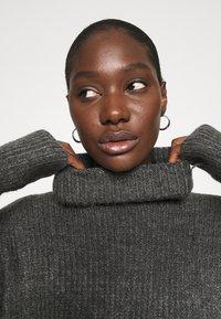 Abercrombie & Fitch - TEXTURAL CREW DRESS - Jumper dress - dark gray heather - 5