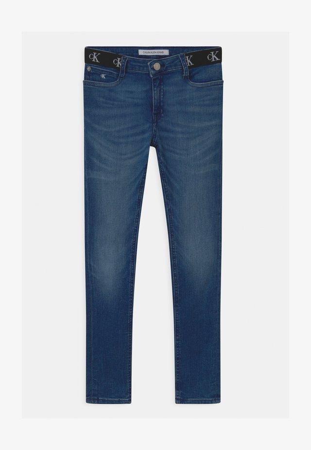 SKINNY INFINITE - Skinny džíny - blue