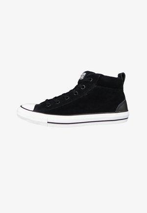 CHUCK TAYLOR ALL STAR STREET - Höga sneakers - black/white