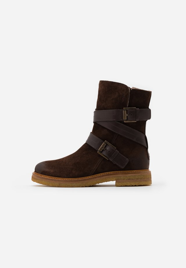 BRENDA - Kovbojské/motorkářské boty - dark brown