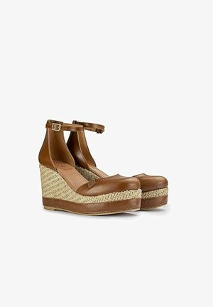 AMBOLO  GIPSY - Sandalias de cuña - marrón