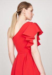 True Violet - HI-LOW  - Occasion wear - red - 3