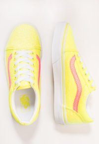 Vans - OLD SKOOL - Tenisky - neon glitter yellow/true white - 0