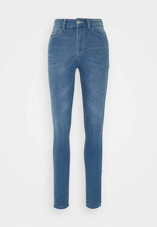 JDYNEWNIKKI LIFE HIGH - Skinny džíny - light blue denim