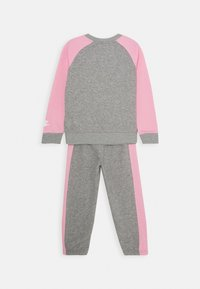 Nike Sportswear - OVERSIZED FUTURA CREW SET - Trainingspak - grey heather - 1