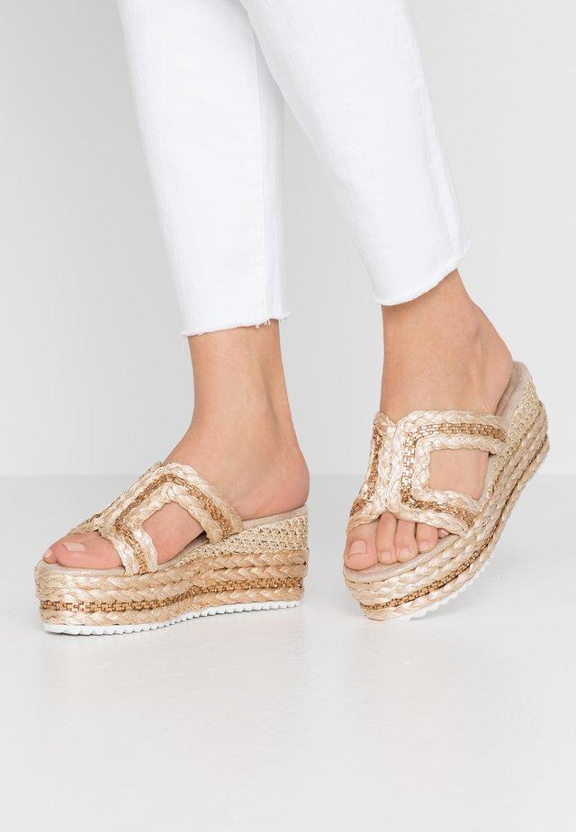 Sandaler - platino