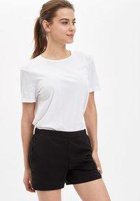 DeFacto - Shorts - black - 2