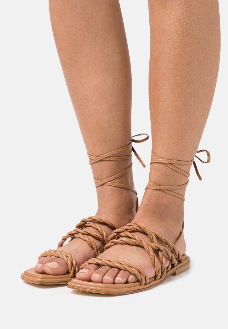 Stuart Weitzman - CALYPSO LACE UP - Sandals - tan