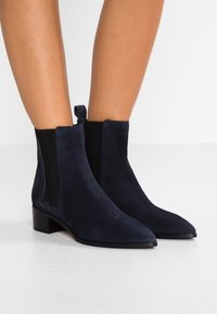 Aeyde - LOU - Classic ankle boots - navy - 0