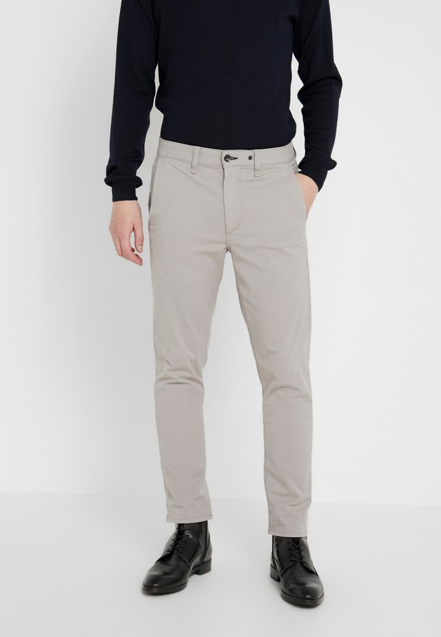 FIT 2 CLASSIC CHINO - Chinos - drizzle