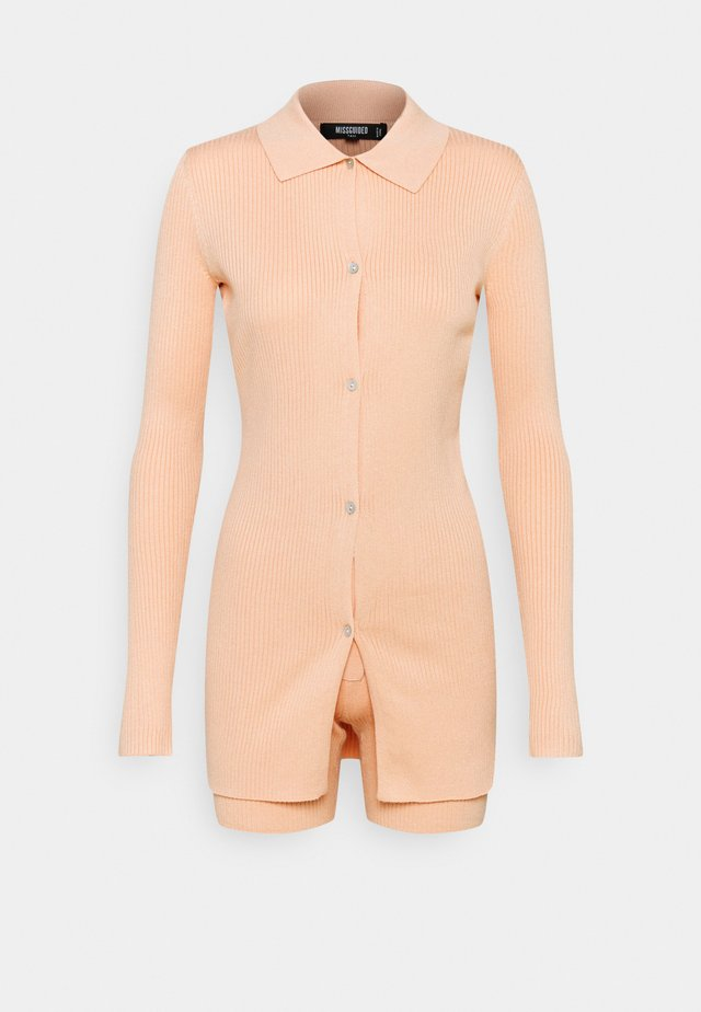 COLLAR CARDIGAN AND BUTTON CYCLING SET - Jumpsuit - peach