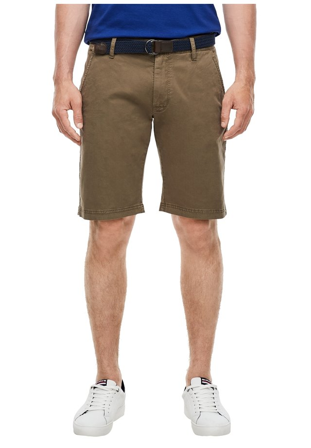 REGULAR FIT CHINOBERMUDA - Shorts - olive